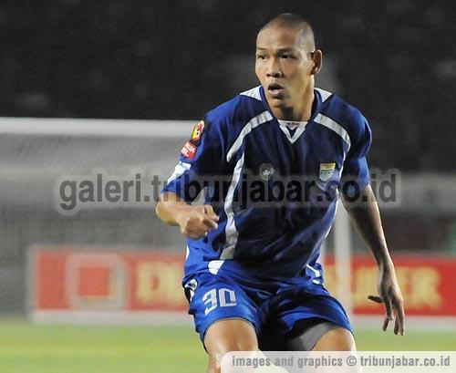 Nova Arianto Persib Bandung